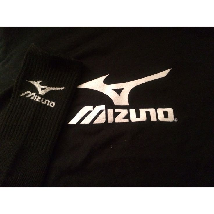 #6 Get a picture of the logo: The #Mizuno logo on my socks and shirt! #PinItToWinIt #usavolleyball