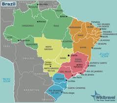 5 regio's Brazilië Groen: Amazone, regenwoud   Oranje: NO: zonnigste en warmste klimaat, maar is ook de droogste en armste regio  Geel: De Pantanal moerassen, grote boerderijen, jonge steden, de Cerrado en het Federaal District, met zijn extreem modernistische architectuur. Roze: São Paulo en Rio. econ en industr knooppunten, ook eeuwenoude koloniale steden Blauw: valleien en pampa's, Europese en omringende landen invloed. Sneeuw! hoogste levensstandaard land.