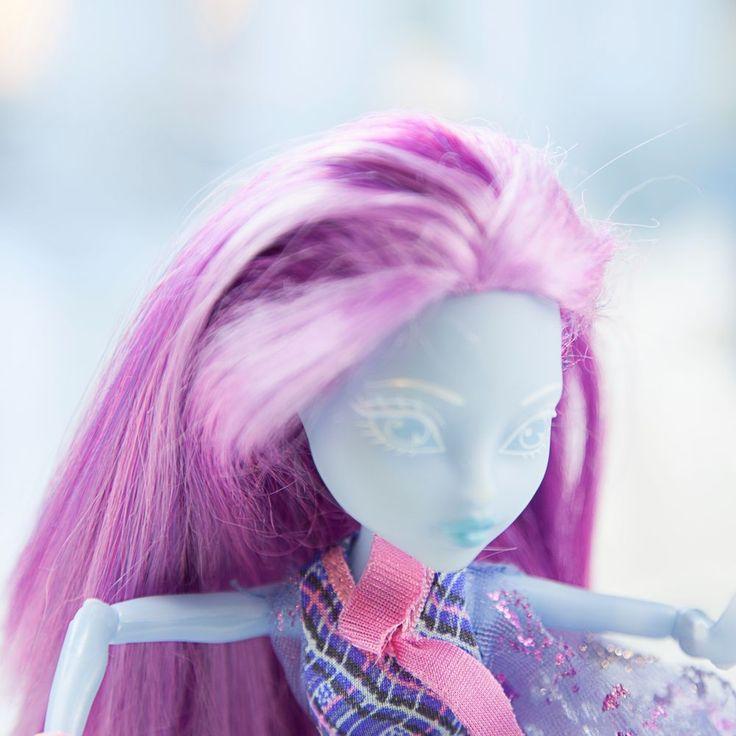 Monster High Doll - Kiyomi Haunterly - Haunted Student Spirit - Great Condition
