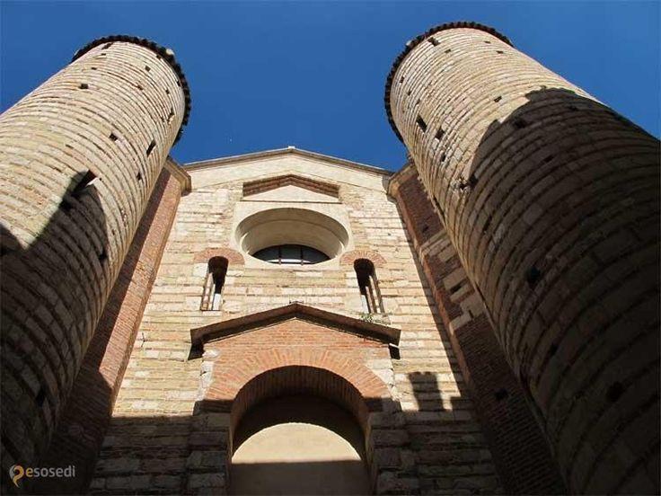 Сан-Лоренцо – #Италия #Венето #Верона (#IT_34) Интерьер этого храма сохранился с XII века.  ↳ http://ru.esosedi.org/IT/34/1000237906/san_lorentso/