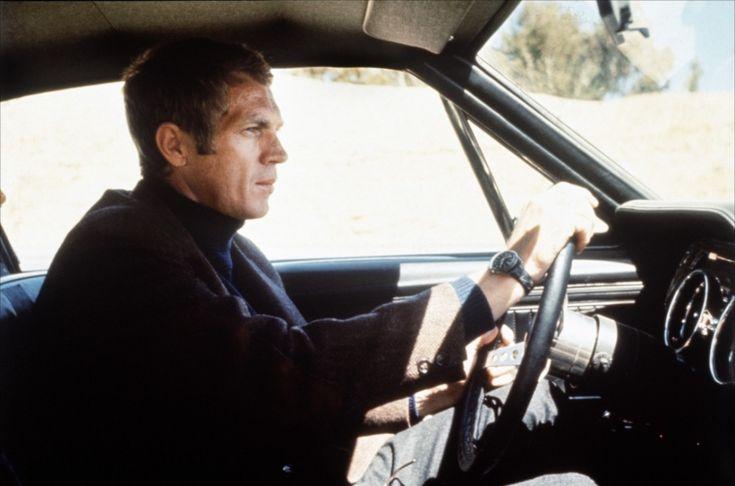 Steve McQueen alias Franck Bullitt avec sa Benrus DTU-2A/P au volant de sa Ford Mustang GT Fastback