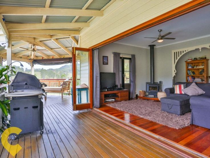 Mount Kilcoy Queenslander: Outdoor entertaining area #queenslander #homes