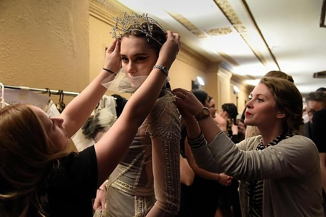 http://www.ladymelbourne.com.au/wp-content/uploads/2014/09/gwendolynne-backstage.jpeg