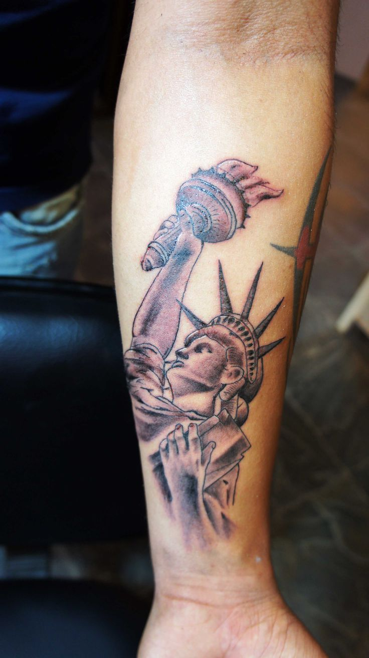 1000 ideas about statue of liberty tattoo on pinterest patriotic tattoos tattoos and eagle. Black Bedroom Furniture Sets. Home Design Ideas