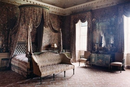 Victorian Bedroom: WOW, all of this