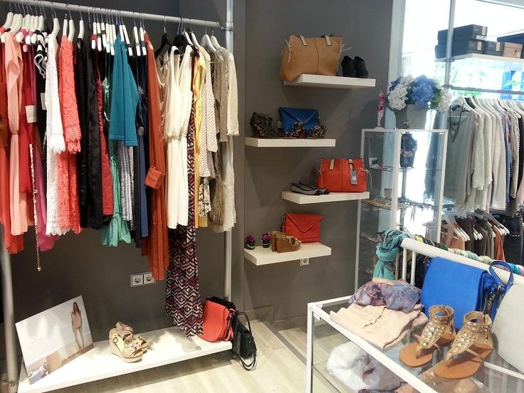 Decoracion de tiendas de ropa de mujer juvenil buscar for Decoracion de boutique