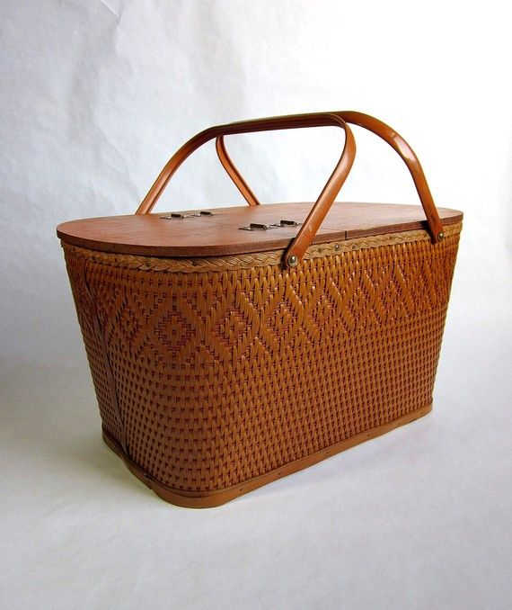 Vintage RED-MAN Picnic Basket with Utensils and Bamboo Plates we had one of : bamboo picnic plates - pezcame.com