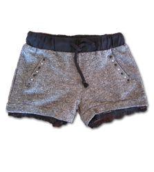 Meisjes #zomer short #grijs Mash Junior Een stoere short afgewerkt met leuke diamantjes