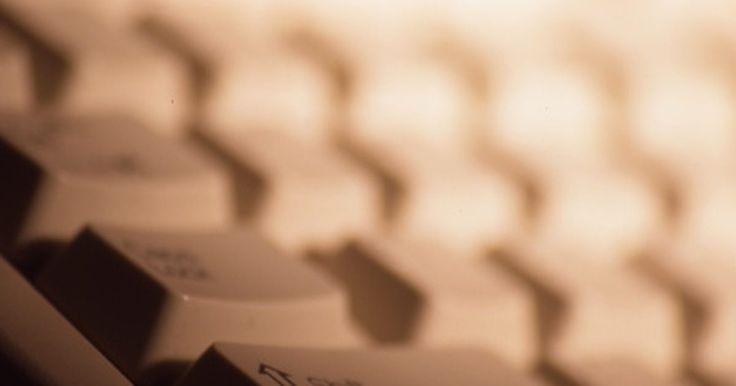 Cómo limpiar manualmente el registro de Windows. El registro es donde se almacenan algunos de los archivos más importantes de tu computadora. Este contiene datos de software, configuraciones de equipos y archivos importantes que permiten a un sistema operativo funcionar eficientemente. En horas extraordinarias, sin embargo, el registro puede llegar a sobrecargarse con aplicaciones y archivos ...