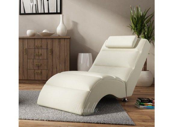 Chaise longue Rovila - Creme. Chaise longue Rovila is een comfortabele lounge stoel. De ligstoel heeft een strakke, kunstleren bekleding. De chaise longue is geschikt voor de woonkamer, speelkamer of zelfs slaapkamer en geeft je inrichting net dat extra luxe.