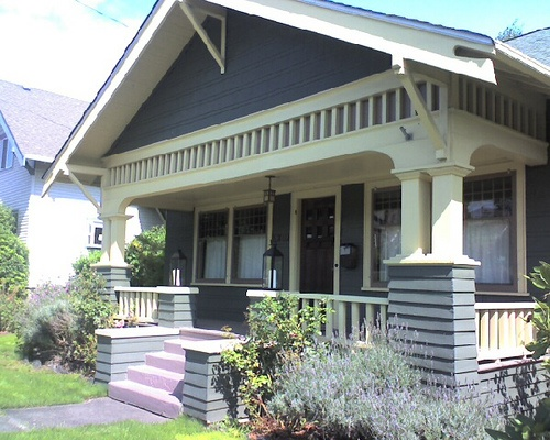 Bungalow porch with double straight columns and piers for Bungalow porch columns