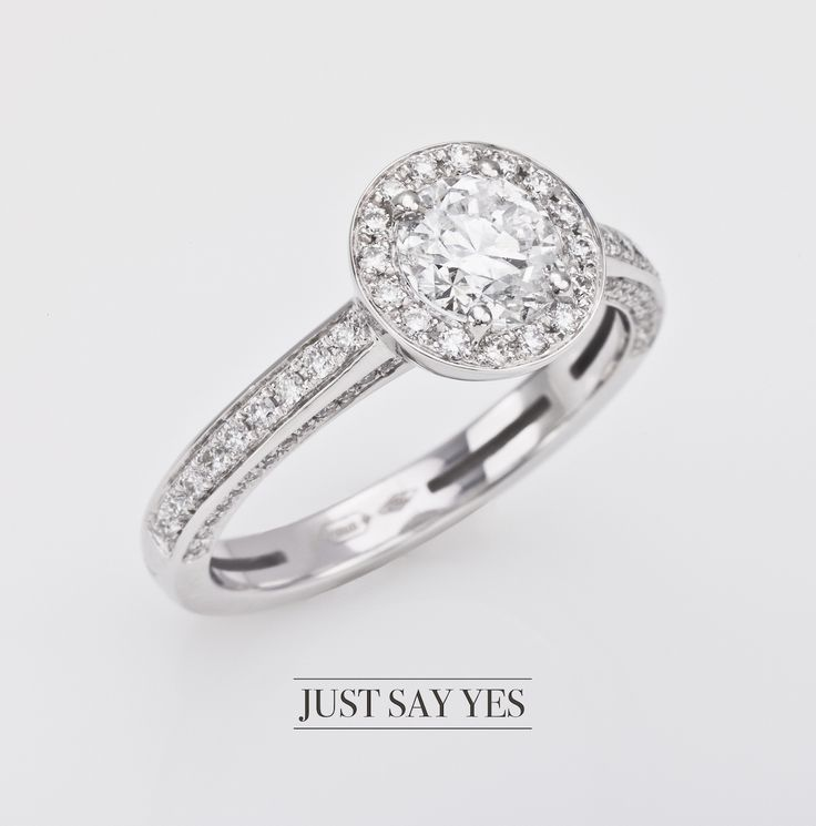 Only one word.  #engagementring #lentivillasco #madeinitaly #solitaire #diamonds