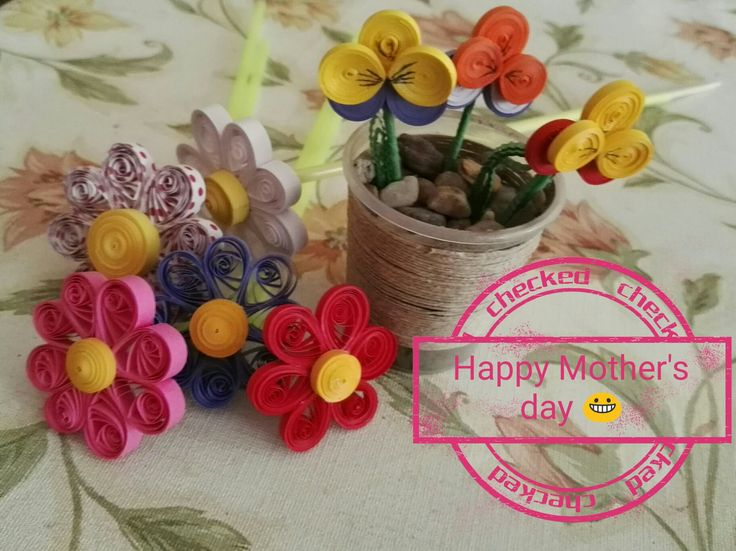 Paperflowers on the Mother's day. This flowers are with quilling paper. Margarethe/daisy and forget-not flower. They don't dry out!!!