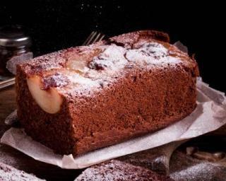 Cake au chocolat renversé aux poires : http://www.fourchette-et-bikini.fr/recettes/recettes-minceur/cake-au-chocolat-renverse-aux-poires.html