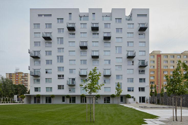 Prefab House In Rimavska Sobota  / GutGut