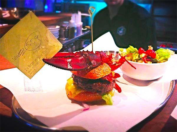 Smokin' Barrels: Great beer selection, great burgers, great sweet potato fries, great terrace... a GREAT spot :)