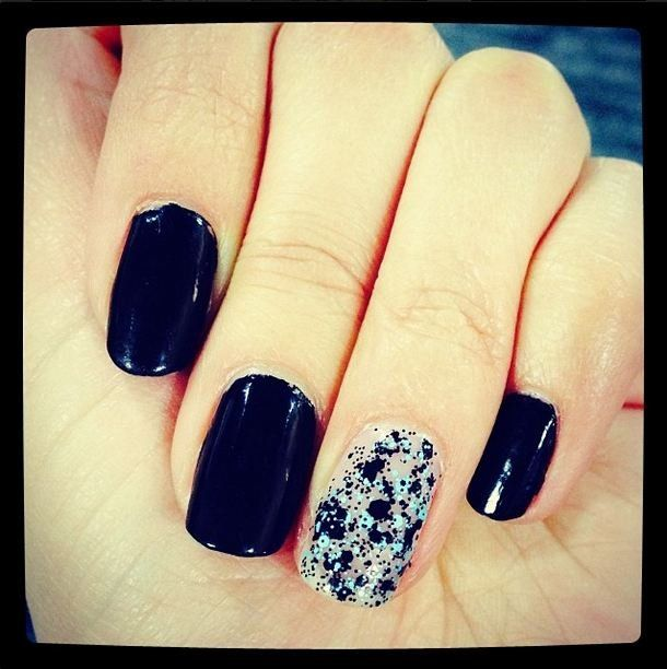 explosive black nails with a shiny accent nail