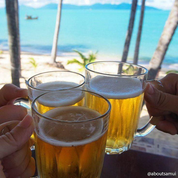 Что-то у нас на Самуи дожди зачастили =( Ну мы если честно особо не расстраиваемся все временно. Поэтому вот вам аппетитная фотка пива на фоне лазурного моря чтобы вы не скучали :) #пиво #море  #aboutsamui #thailand #samui #эбаутсамуи #самуи #таиланд