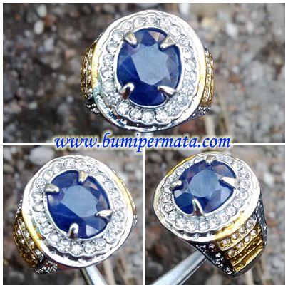 CM173 Batu Permata Natural Safir Biru Nama Batu Permata : Natural Blue Sapphire Corundum Dimensi / Ukuran : est 11,09 x 9,08 x 3,12 mm Berat Total Keseluru