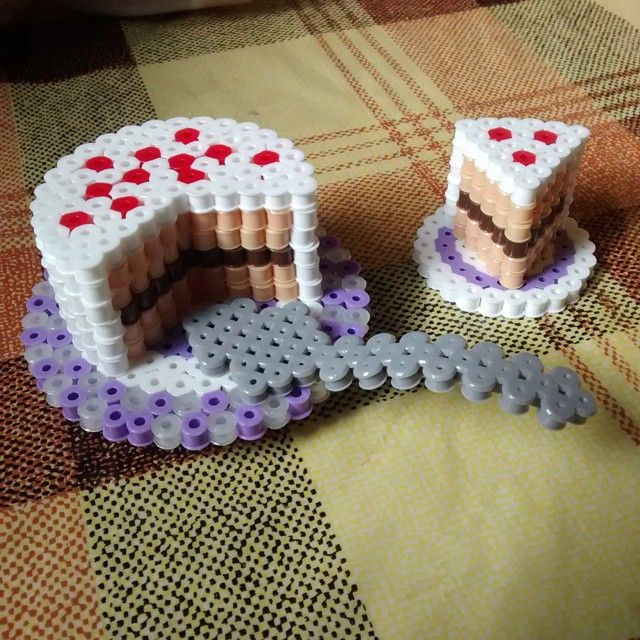 3D Cake hama beads by aleggsp