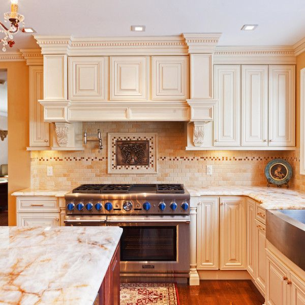 vanilla maple color sample with images creme kitchen cabinets farmhouse kitchen design on farmhouse kitchen maple cabinets id=25624