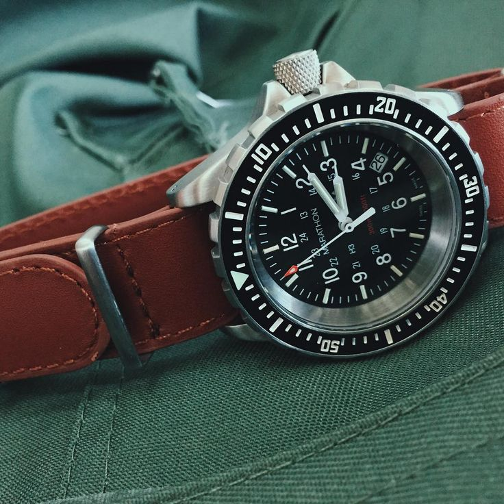 The classic Marathon TSAR divers watch on Marathon's own superb leather Nato strap, genuine military watches made in Switzerland and available from us. #Marathon #Watches