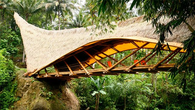 green-school-home.  Not far from the town of Ubud, Green School is currently running a boarding ...