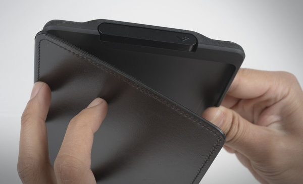 Kindle Touch Lighted Cover by Hoang M Nguyen , via Behance