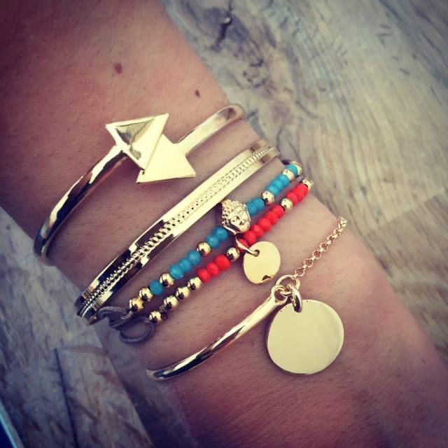 Composition de bracelets en argent - l'Atelier d'Amaya #bracelet #bijoux #médaille #bouddha #jonc
