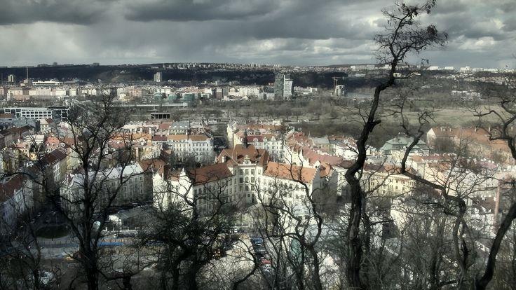 https://flic.kr/p/ESSdju | ZŠ a MŠ Praha 8, Lyčkovo náměstí, Karlín | Pohled z vrchu Vítkov