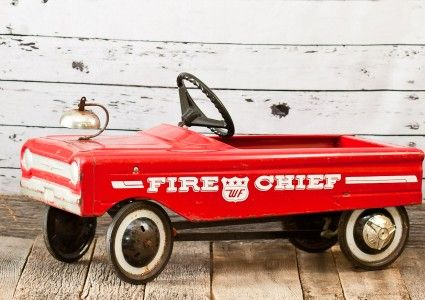Vintage Wedding and Photography Props Antique Fire Chief Pedal Car vintagepartyprops.com Louisville Kentucky