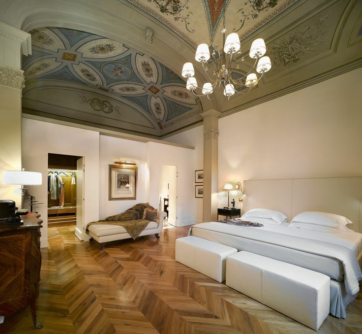 Relais & Chateaux - The former Ciofi Jacometti Palace in the heart of Florence, restored in a manner that faithfully respects its architecture and original frescoes, is home to the Relais Santa Croce. Relais Santa Croce ITALY #relaischateaux #room