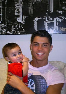 Cute baby with his cute daddy! <3 Cristiano Ronaldo