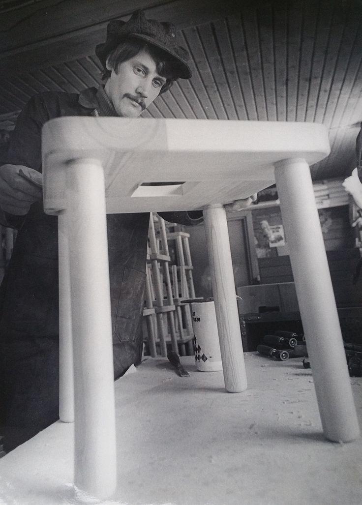 The founder of Nikari, young Kari Virtanen and his work.