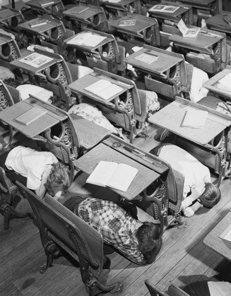 school nuclear bomb drill - 1950s