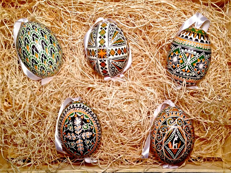 This boxed set of eggs are made with a triple dye process using beeswax and hand mixed pigments.  Traditional and totally gorgeous, a great addition or accent for home decor, and a wonderful gift for the discerning collector.
