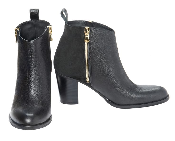 "Blankens Italian made boot ""The Roxy"" in black grain leather with a black suede heel. Double zippers and a perfectly rounded toe. Available in size 35-42."
