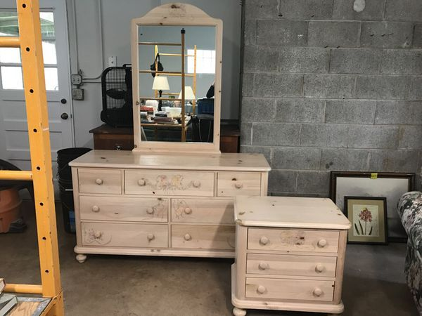 First Impressions By Thomasville Bedroom Set For Sale In