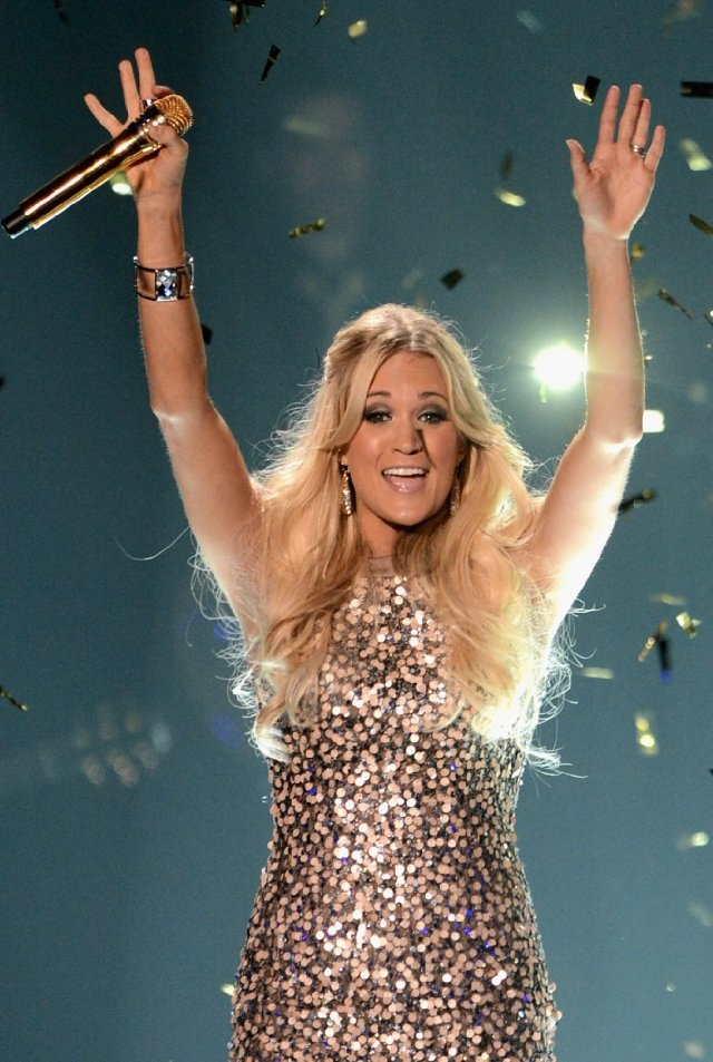 17 best images about stars on pinterest her hair ariana for Who is carrie underwood married too