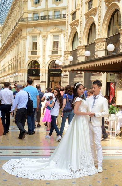 Свадебный шоппинг в Милане #свадебноеплатье #свадебноеплатьевмилане #стиль #свадьба #невеста #свадебныйнаряд #шоппингвмилане #шоппингвиталии #мода #женихиневеста #милан #италия #платьесошлейфом