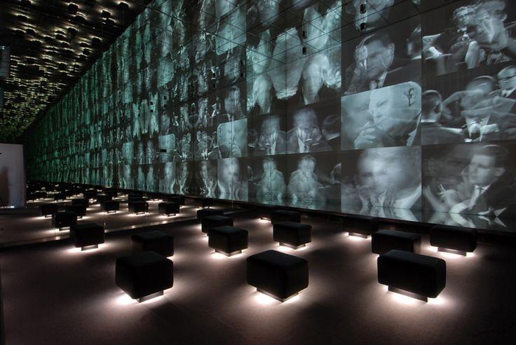 Eine Reise durch die Film- und Fernsehgeschichte, zu der das Kino der Pioniere, Stummfilm-Diven, Filme in der Weimarer Republik und im Nationalsozialismus, Marlene Dietrich, Exil in Hollywood, Nachkriegsfilm und deutsches Gegenwartskino ebenso gehören wie die Entwicklungen des deutschen Fernsehens in Ost und West.