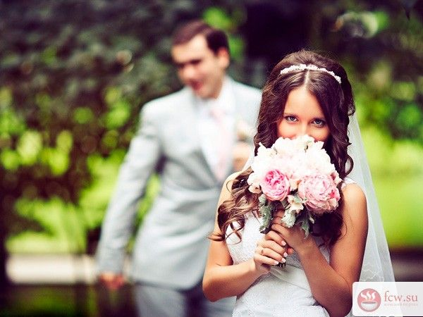 Свадебные церемонии в разных странах мира https://www.fcw.su/blogs/vsjakaja-vsjachina/svadebnye-ceremoni-v-raznyh-stranah-mira.html  Сколько стран в мире у каждой свои обряды, традиции и обычаи. Независимо от национальной принадлежности, любая невеста мечтает о любящем муже и пышной свадьбе. Итак, не терпится узнать как же проходят свадебные церемонии в разных странах мира?
