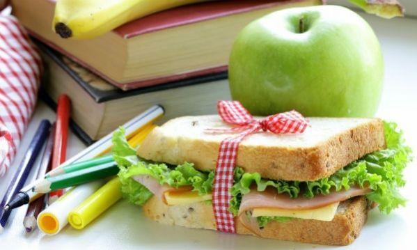 Νόστιμα και υγιεινά snacks για το σχολείο! Από τη διατροφολόγο Ευσταθία Παπαδά.