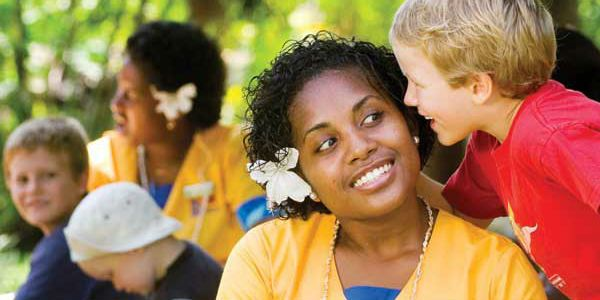 Outrigger Fiji Beach Resort - https://traveloni.com/vacation-deals/outrigger-fiji-beach-resort/ #fijivacation #familyvacation #kidseatfree