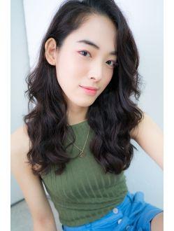 ギャフ 表参道本店(GAFF)黒髪でもできる外国人風パーマロング a3