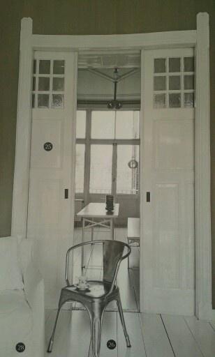29 beste afbeeldingen over ensuite op pinterest grijze muren schuifdeuren en grijze kasten - Deco kamer bruin ...