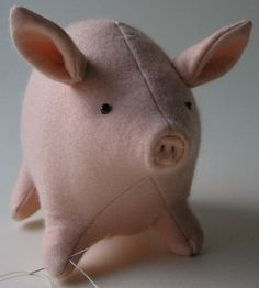 You can make a family of such a cute pig. Free pattern stuffed toy