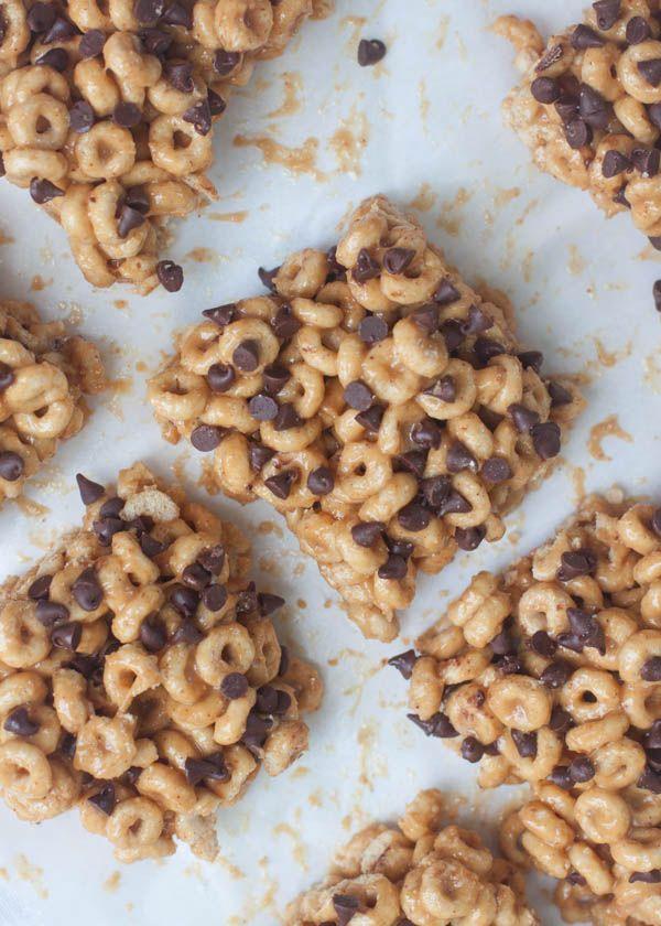 Chocolate Chip Peanut Butter Honey Nut Cheerio Bars | Boys Ahoy