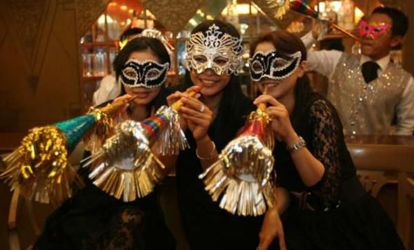 Nafsu Syahwat, Kebebasan dan Pembunuhan di Pesta Tahun Baru - Puisi