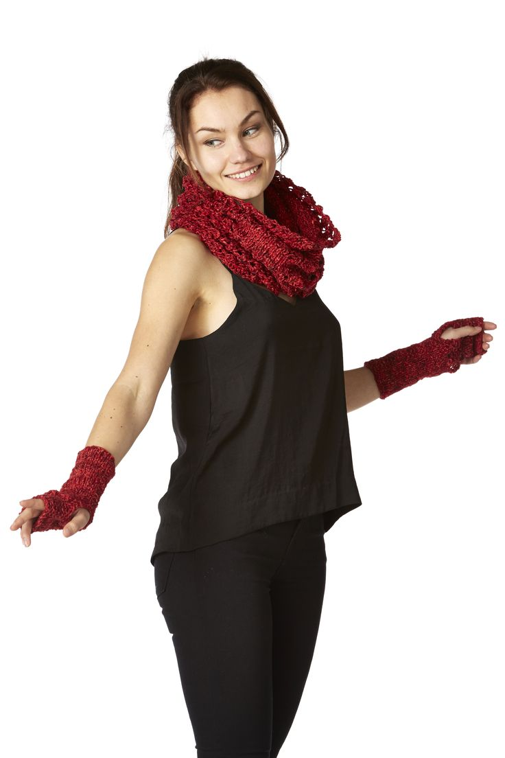 Anna - cowl and wristlets.